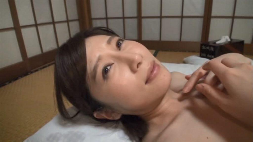声の出せないセックスに大満足した人妻 佐々木あき