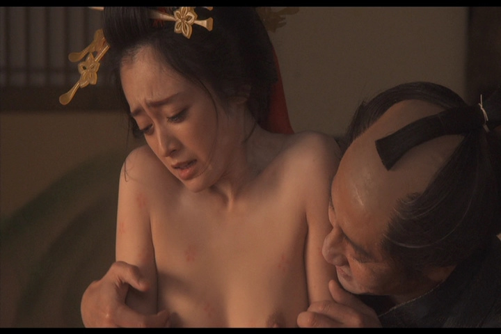 安達祐実 乳首 乳首を弄られて感じる